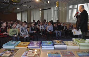 Встреча с детским писателем Валентином Юрьевичем Постниковым 13