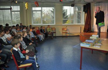 Встреча с детским писателем Валентином Юрьевичем Постниковым