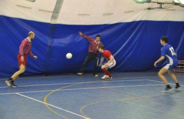 28 февраля в спортивном зале школы состоялся финальный матч на Кубок школы по мини-футболу 12