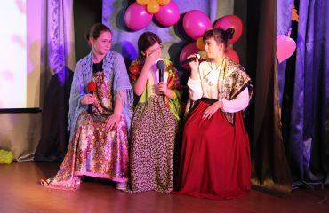 5 октября в школе «Премьер» состоялся праздник, посвященный  Дню учителя. 21