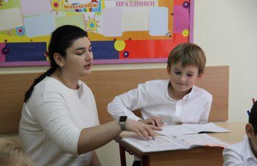 5 октября в школе «Премьер» состоялся праздник, посвященный  Дню учителя. 54