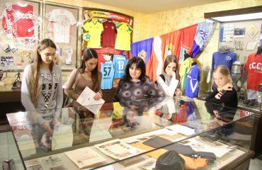 28 ноября обучающиеся 5-8 классов побывали на экскурсии в Государственном музее спорта в рамках олимпиады «Музеи. Парки. Усадьбы»
