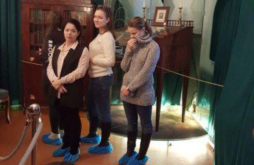 8 декабря обучающиеся 10-11-х классов посетили театрализованную экскурсию в доме - музее Н.В. Гоголя. 5