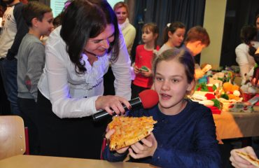 Школа «Премьер»  активно сотрудничает с благотворительным фондом «АиФ. Доброе сердце»! 2