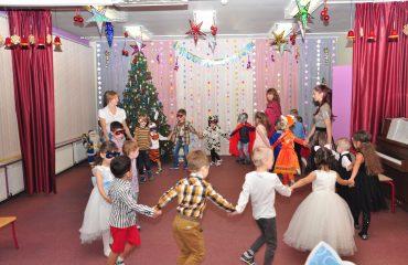 Утренник с Дедом Морозом в детском саду 9