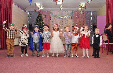 Утренник с Дедом Морозом в детском саду 11