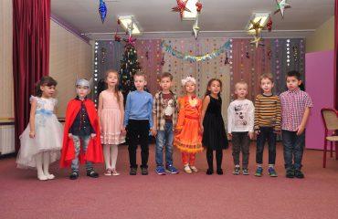 Утренник с Дедом Морозом в детском саду 12
