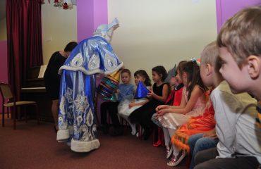 Утренник с Дедом Морозом в детском саду 17