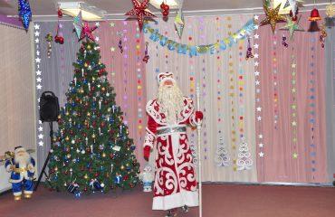 Утренник с Дедом Морозом в детском саду 22