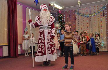 Утренник с Дедом Морозом в детском саду 24