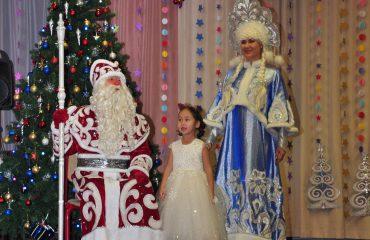 Утренник с Дедом Морозом в детском саду 26