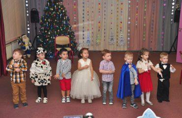 Утренник с Дедом Морозом в детском саду 27