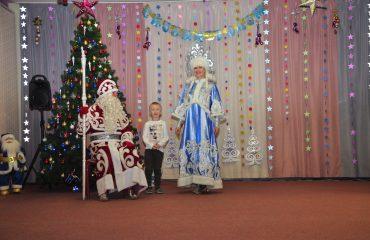 Утренник с Дедом Морозом в детском саду 29