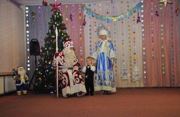 Утренник с Дедом Морозом в детском саду 34