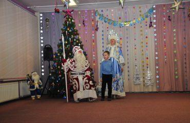Утренник с Дедом Морозом в детском саду 35