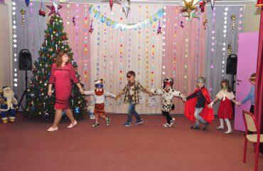 Утренник с Дедом Морозом в детском саду 8