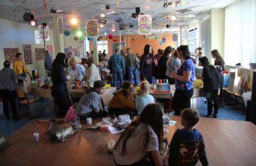 17 марта в школе «Премьер» прошла благотворительная пасхальная ярмарка 11