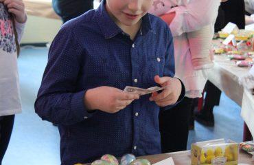 17 марта в школе «Премьер» прошла благотворительная пасхальная ярмарка 13