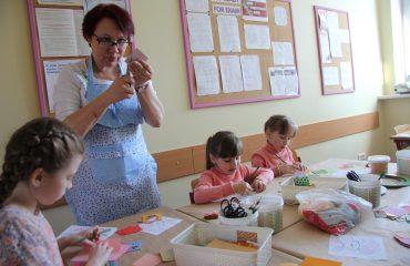 17 марта в школе «Премьер» прошла благотворительная пасхальная ярмарка 16