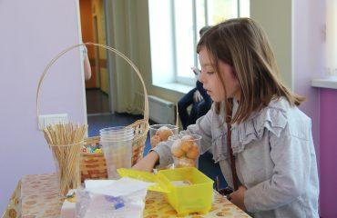 17 марта в школе «Премьер» прошла благотворительная пасхальная ярмарка 17