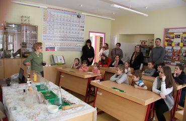 17 марта в школе «Премьер» прошла благотворительная пасхальная ярмарка 23