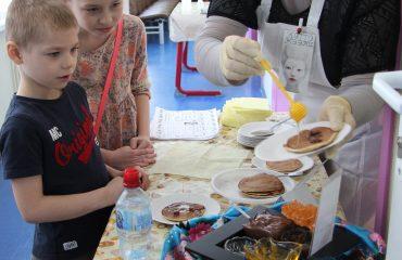 17 марта в школе «Премьер» прошла благотворительная пасхальная ярмарка 28