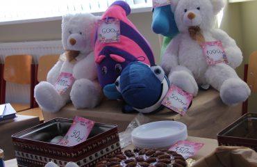 17 марта в школе «Премьер» прошла благотворительная пасхальная ярмарка 32