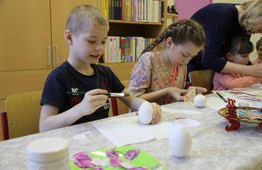 17 марта в школе «Премьер» прошла благотворительная пасхальная ярмарка 3
