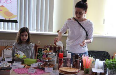 17 марта в школе «Премьер» прошла благотворительная пасхальная ярмарка 4