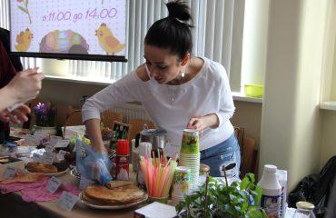 17 марта в школе «Премьер» прошла благотворительная пасхальная ярмарка 8