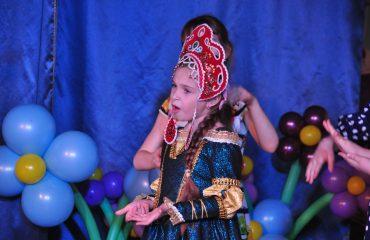 6 марта в школе «Премьер» прошёл праздник  под названием «Мамины мечты», посвящённый 8 Марта 19