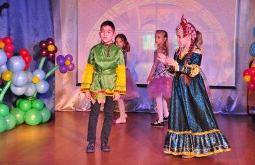 6 марта в школе «Премьер» прошёл праздник  под названием «Мамины мечты», посвящённый 8 Марта 21