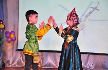 6 марта в школе «Премьер» прошёл праздник  под названием «Мамины мечты», посвящённый 8 Марта 22