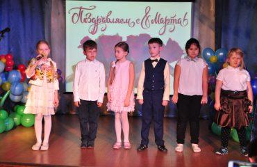 6 марта в школе «Премьер» прошёл праздник  под названием «Мамины мечты», посвящённый 8 Марта 36