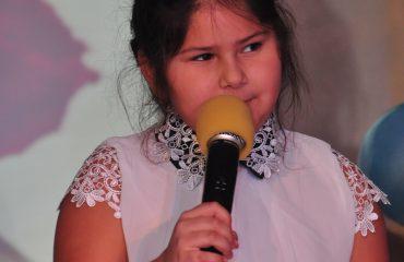 6 марта в школе «Премьер» прошёл праздник  под названием «Мамины мечты», посвящённый 8 Марта 38