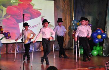6 марта в школе «Премьер» прошёл праздник  под названием «Мамины мечты», посвящённый 8 Марта 4