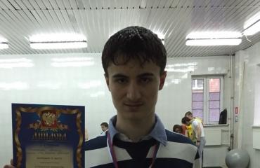 На городских соревнованиях по плаванию среди частных школ спортсмены «Премьера» завоевали 3 награды 3
