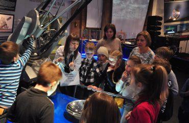 В преддверии  Дня  Космонавтики обучающиеся всех классов школы «Премьер» побывали на интересной и познавательной экскурсии в московском Планетарии 14