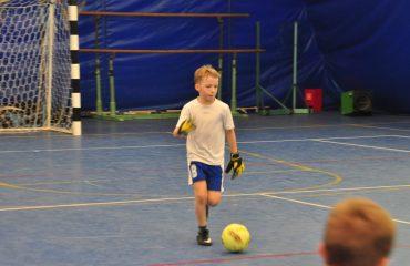 В товарищеском матче по мини-футболу впервые приняли участие юные премьеровцы.