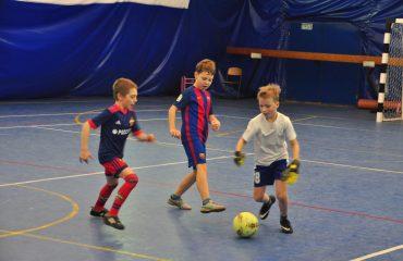 В товарищеском матче по мини-футболу впервые приняли участие юные премьеровцы. 7
