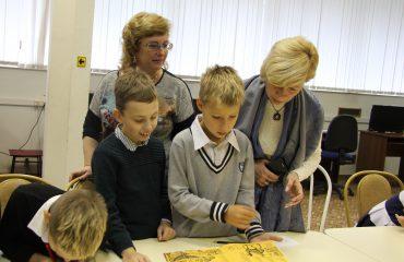 26 и 27 сентября в школе «Премьер» прошли библиотечные занятия для 2 и 3 классов 6