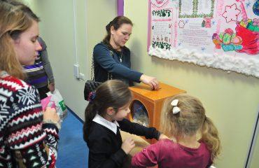 13 декабря в школе «Премьер» состоялась Рождественская благотворительная ярмарка 12