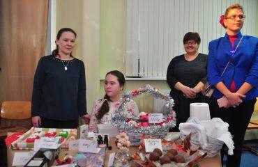 13 декабря в школе «Премьер» состоялась Рождественская благотворительная ярмарка 13