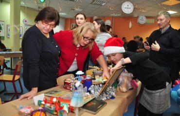 13 декабря в школе «Премьер» состоялась Рождественская благотворительная ярмарка 14