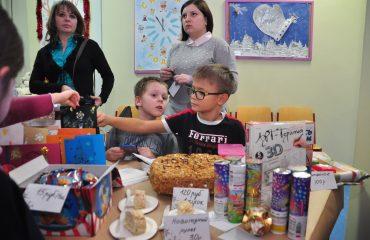 13 декабря в школе «Премьер» состоялась Рождественская благотворительная ярмарка 20