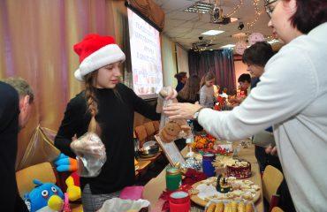 13 декабря в школе «Премьер» состоялась Рождественская благотворительная ярмарка 28