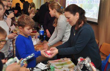 13 декабря в школе «Премьер» состоялась Рождественская благотворительная ярмарка 2