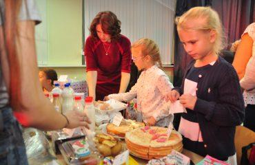 13 декабря в школе «Премьер» состоялась Рождественская благотворительная ярмарка 31