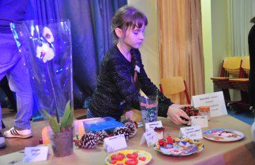 13 декабря в школе «Премьер» состоялась Рождественская благотворительная ярмарка