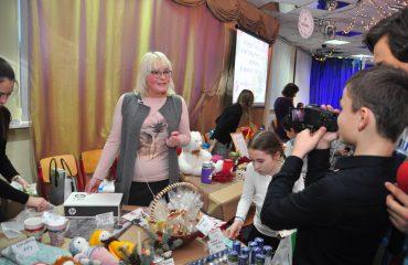 13 декабря в школе «Премьер» состоялась Рождественская благотворительная ярмарка 7